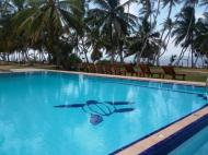 New Darwins Beach Resort, 3*