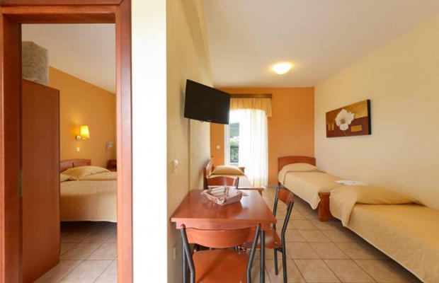 фото отеля Amalia изображение №9