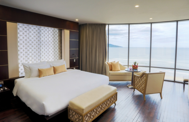фото отеля Holiday Beach Da Nang Hotel and Spa изображение №21