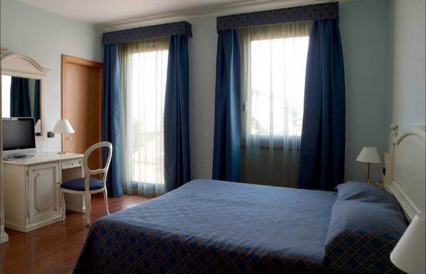 фотографии International Hotel изображение №36