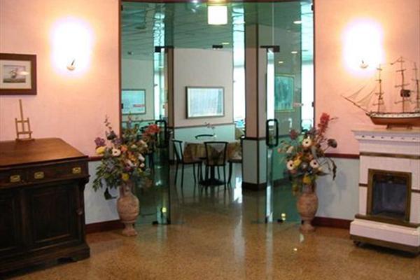 фотографии отеля Mirage Hotel Ravenna изображение №31