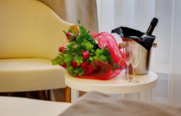 фото Dharma Hotel & Luxury Suites изображение №22