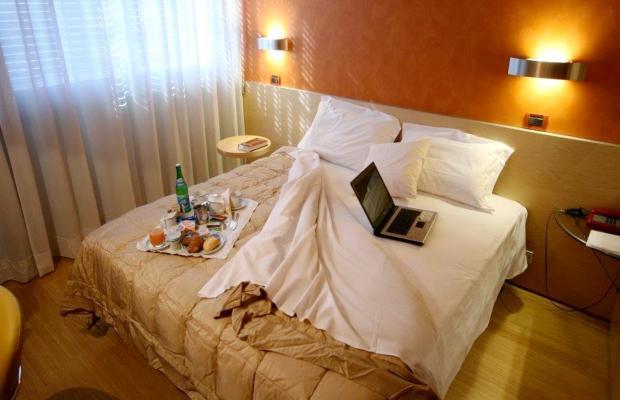 фото Alexandra Hotel изображение №2