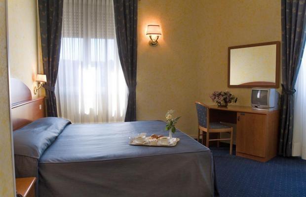 фото отеля Hotel Laura изображение №17