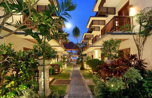 фото Respati Beach Hotel изображение №2