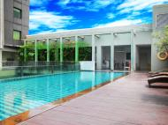 Sparks Hotel Jakarta, 3*