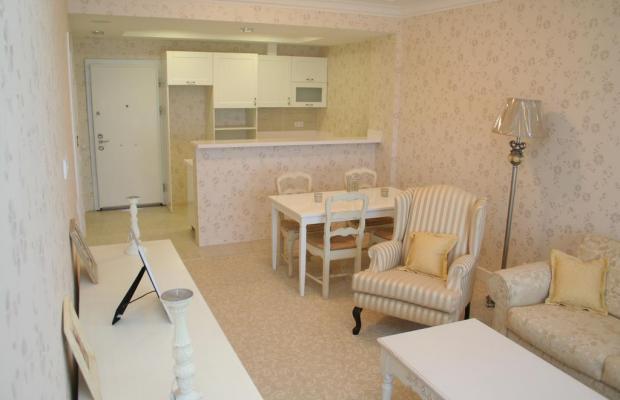 фото Алушта Роял Апартментс (Alushta Royal Apartments) изображение №6