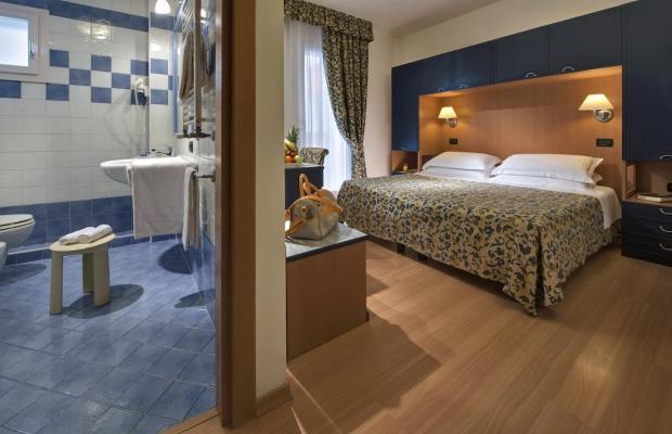 фото отеля Orient & Pacific изображение №9