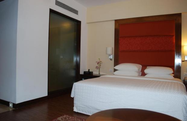 фото отеля Four Points by Sheraton Ahmedabad (ex. Royal Orchid Central) изображение №21