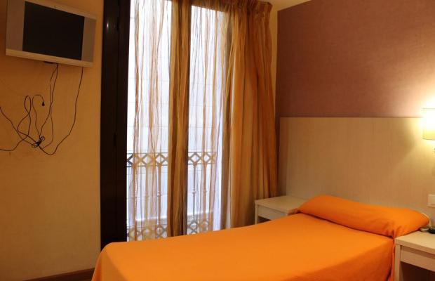 фото отеля Hostal Fina изображение №21