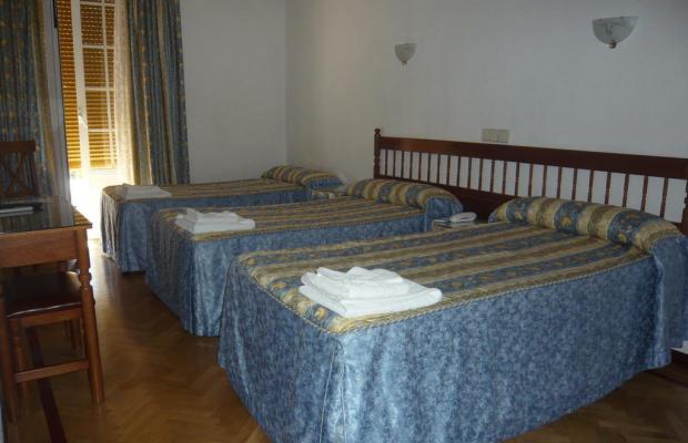 фотографии отеля Hostal Triana изображение №7