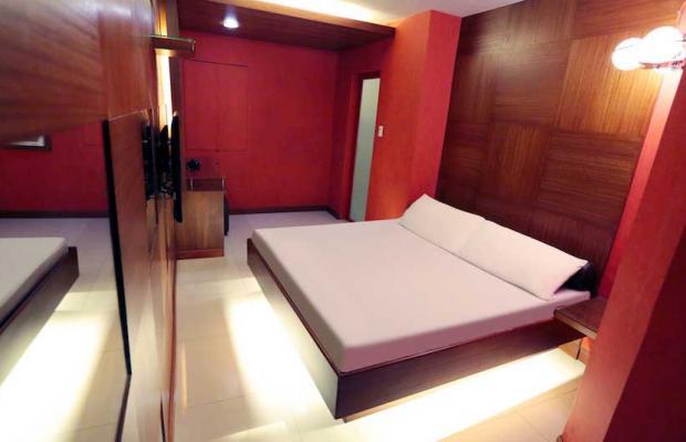 фотографии отеля Victoria Court Gil Puyat изображение №19