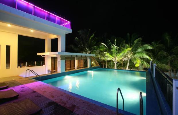 фото отеля Crown Regency Beach Resort изображение №5