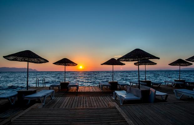 фото отеля Charisma De Luxe Hotel изображение №9