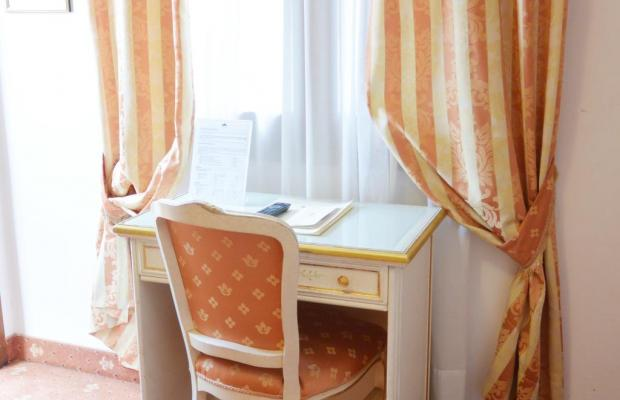 фото отеля Ambassador & Tre Rose изображение №13