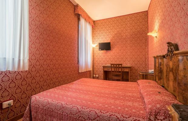 фотографии отеля Alle Guglie изображение №3